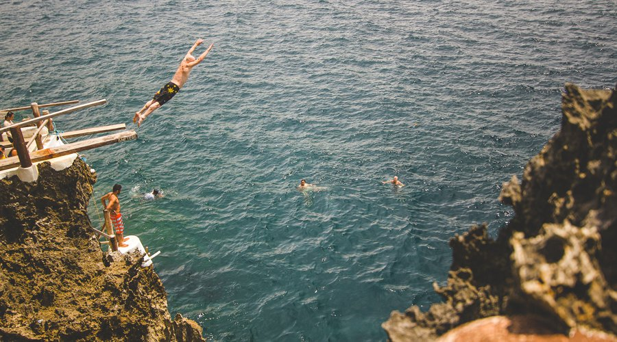 Cliff diving Boracay